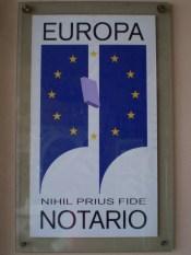 simbolo de los notarios